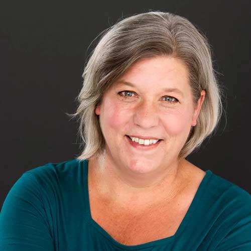 Tanja Dixon-Warren